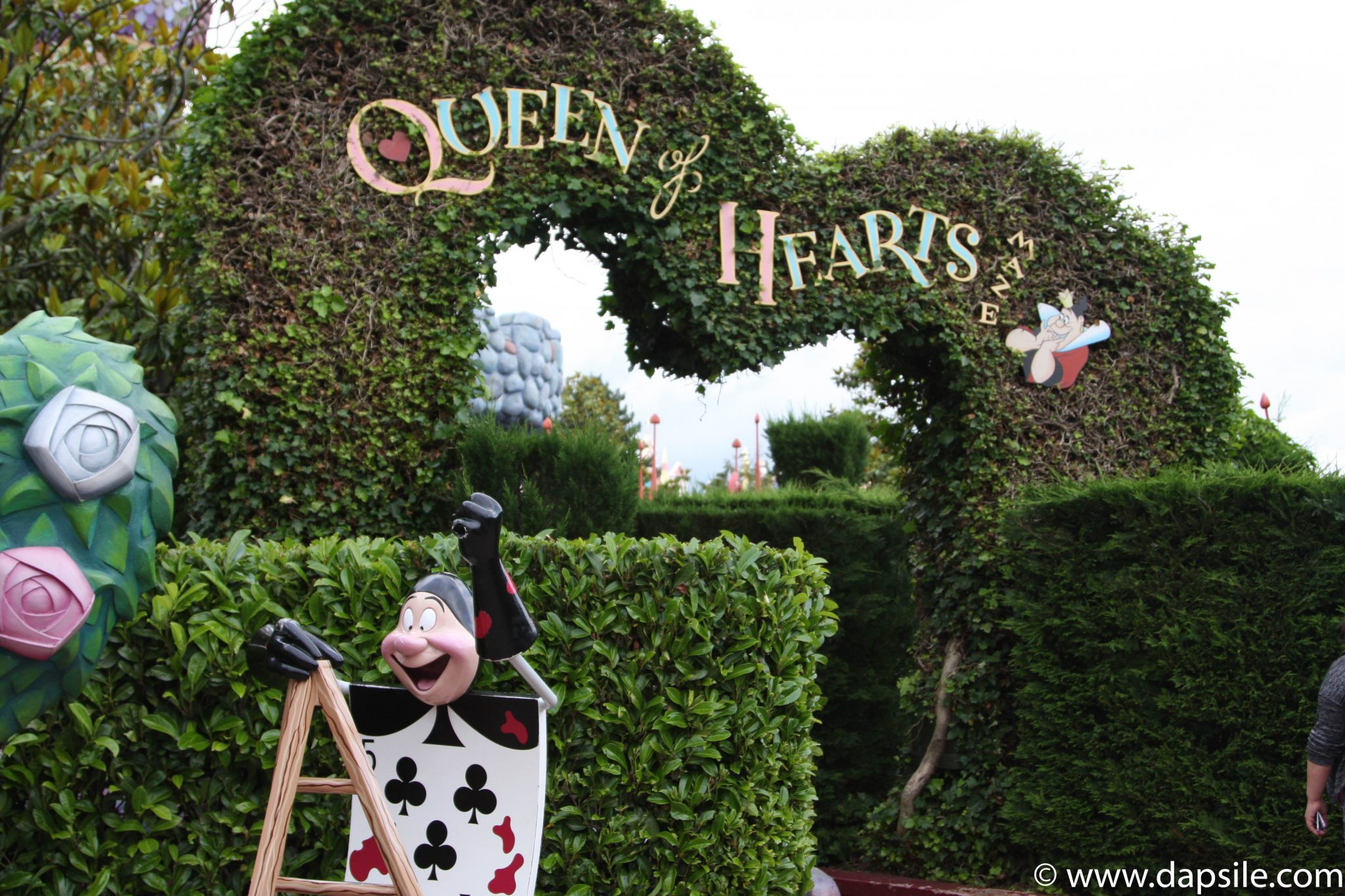 Queen of Hearts Maze Entrance in Disneyland Paris Sights