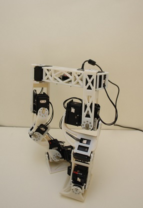 Development-of-a-Bipedal-Robot-that-Walks-Like-an-Animation-Character-Image3