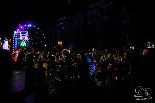 Disneyland 60th Anniversary Celebration Paint the Night-1