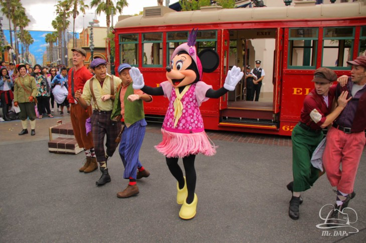 Minnie Mouse Joins Mickey Mouse in Red Car Trolley News Boys-12