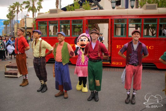 Minnie Mouse Joins Mickey Mouse in Red Car Trolley News Boys-9