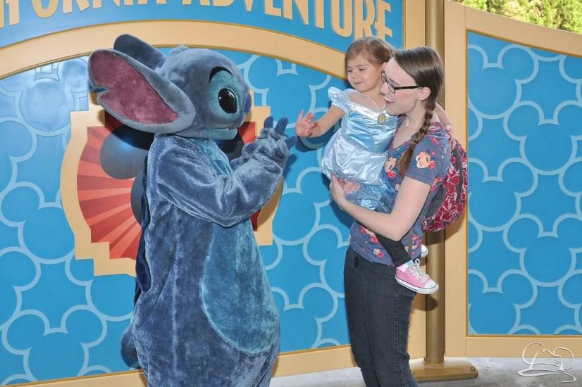 10 Tips for Taking at Toddler to Disneyland