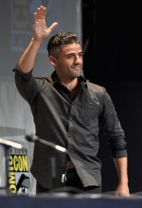 SAN DIEGO, CA - JULY 10: Actor Oscar Isaac at the Hall H Panel for `Star Wars: The Force Awakens` during Comic-Con International 2015 at the San Diego Convention Center on July 10, 2015 in San Diego, California. (Photo by Michael Buckner/Getty Images for Disney) *** Local Caption *** Oscar Isaac