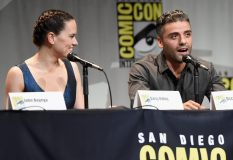 SAN DIEGO, CA - JULY 10: Actors Daisy Ridley (L) and Oscar Isaac at the Hall H Panel for `Star Wars: The Force Awakens` during Comic-Con International 2015 at the San Diego Convention Center on July 10, 2015 in San Diego, California. (Photo by Michael Buckner/Getty Images for Disney) *** Local Caption *** Daisy Ridley; Oscar Isaac