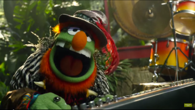 Dr. Teeth and the Electric Mayhem are joined by Sam Eagle for Jungle Boogie