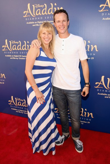 """BURBANK, CA - SEPTEMBER 27: Actors Jodie Sweetin (L) and Scott Weinger attend a special LA screening celebrating Diamond Edition release of """"ALADDIN"""" at The Walt Disney Studios on September 27, 2015 in Burbank, California. (Photo by Jesse Grant/Getty Images for Disney) *** Local Caption *** Jodie Sweetin; Scott Weinger"""
