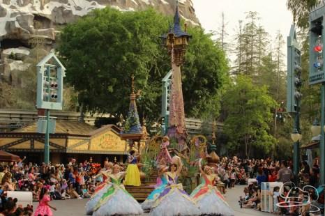 Soundsational Alice at the Disneyland Resort-35