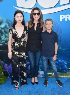 HOLLYWOOD, CA - JUNE 08: Actress Jane Leeves (C) and guests attend The World Premiere of Disney-Pixar's FINDING DORY on Wednesday, June 8, 2016 in Hollywood, California. (Photo by Alberto E. Rodriguez/Getty Images for Disney) *** Local Caption *** Jane Leeves
