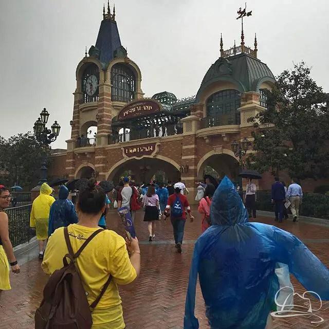 Shanghai Disneyland Opening Day - @DAPsMurray