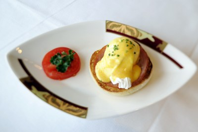 Geek Eats Disney Recipes: Palo Eggs Benedict – Disney Cruise Line