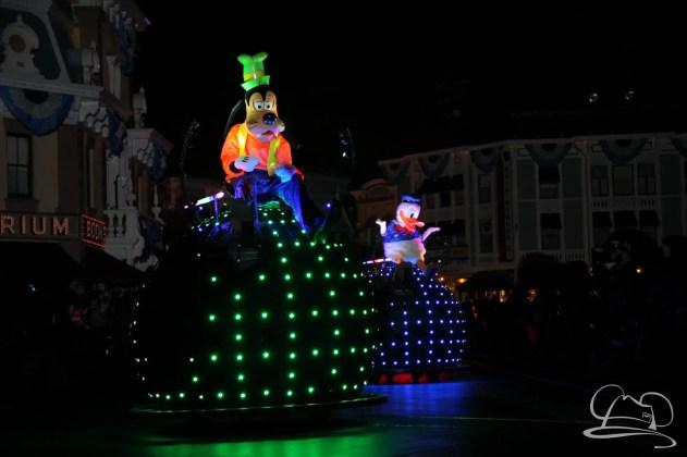 Mr. DAPs Covers Disneyland's Diamond Celebration-48