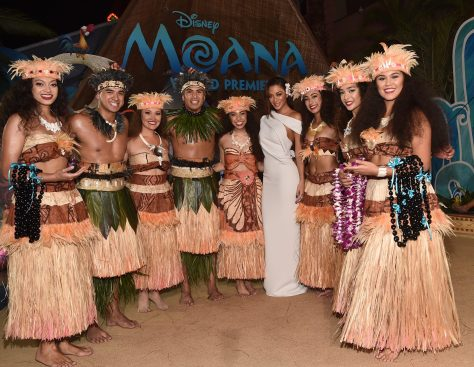 """HOLLYWOOD, CA - NOVEMBER 14: Actress Nicole Scherzinger (C) and performers attend The World Premiere of Disney's """"MOANA"""" at the El Capitan Theatre on Monday, November 14, 2016 in Hollywood, CA. (Photo by Alberto E. Rodriguez/Getty Images for Disney) *** Local Caption *** Nicole Scherzinger"""