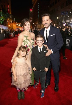 "HOLLYWOOD, CA - DECEMBER 10: Actor Diego Luna (R) with family at The World Premiere of Lucasfilm's highly anticipated, first-ever, standalone Star Wars adventure, ""Rogue One: A Star Wars Story"" at the Pantages Theatre on December 10, 2016 in Hollywood, California. (Photo by Jesse Grant/Getty Images for Disney) *** Local Caption *** Diego Luna; Fiona Luna; Jeronimo Luna"