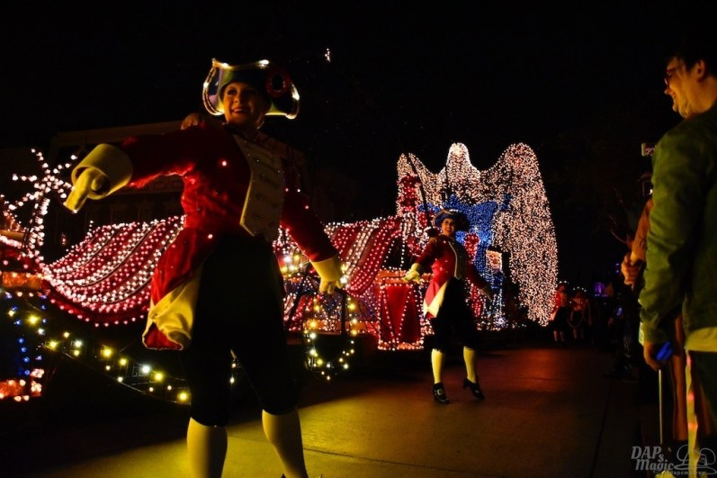 DisneylandElectricalParade 135