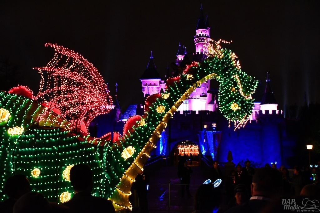 Fans React to Return of Disneyland's Main Street Electrical Parade