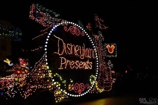 DisneylandElectricalParade 18