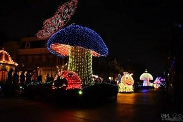 DisneylandElectricalParade 29