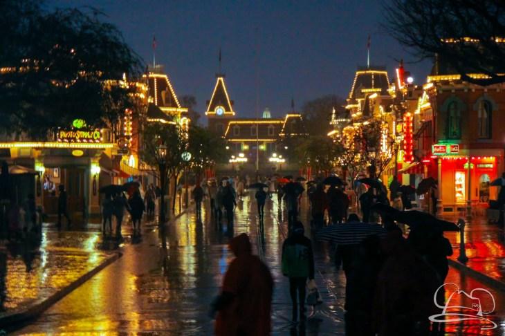 DisneylandResortRainyDay-155