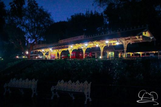 DisneylandResortRainyDay-201