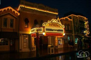 DisneylandResortRainyDay-214