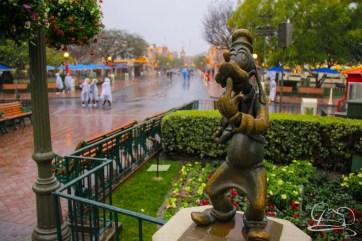 DisneylandResortRainyDay-24