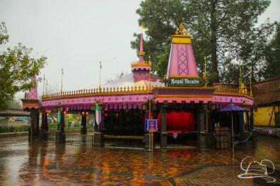 DisneylandResortRainyDay-33