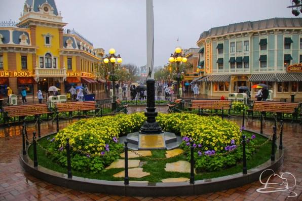 DisneylandResortRainyDay-44