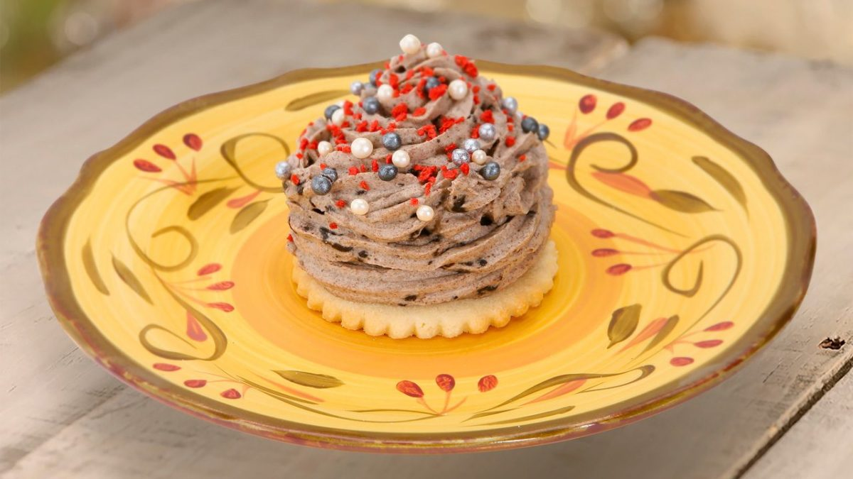 Menu for Red Rose Taverne at Disneyland Released