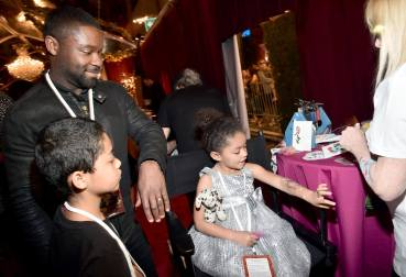 """LOS ANGELES, CA - MARCH 02: Actor David Oyelowo, Caleb Oyelowo and Zoe Oyelowo arrive for the world premiere of Disney's live-action """"Beauty and the Beast"""" at the El Capitan Theatre in Hollywood as the cast and filmmakers continue their worldwide publicity tour on March 2, 2017 in Los Angeles, California. (Photo by Alberto E. Rodriguez/Getty Images for Disney) *** Local Caption *** David Oyelowo; Zoe Oyelowo; Caleb Oyelowo"""