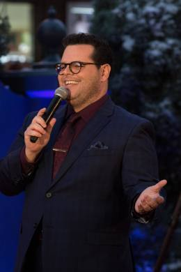 "Josh Gad performs during the world premiere of Disney's live-action ""Beauty and the Beast"" at the El Capitan Theatre in Hollywood as the cast and filmmakers continue their worldwide publicity tour. .(Photo: Alex J. Berliner/ABImages)"