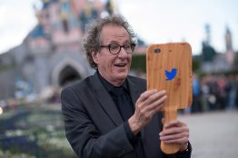 PARIS, FRANCE - MAY 14: Geoffrey Rush attends the European Premiere to celebrate the release of Disney's Pirates of the Caribbean: Salazar's Revenge at Disneyland Paris on May 14, 2017 in Paris, France. (Photo by Francois Durand/Getty Images for Disney) *** Local Caption *** Geoffrey Rush