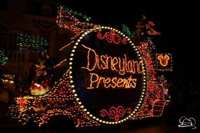 DisneylandMainStreetElectricalParade_45thAnniversary-11