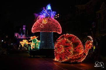 DisneylandMainStreetElectricalParade_45thAnniversary-25