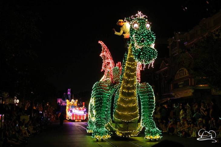DisneylandMainStreetElectricalParade_45thAnniversary-64