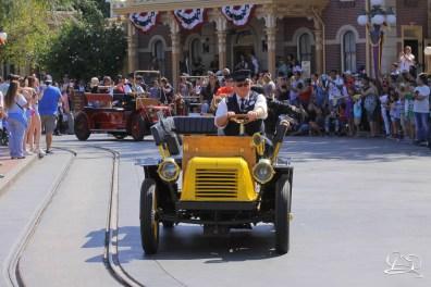 Disney_Descendants_Disneyland_Pre_Parade-21