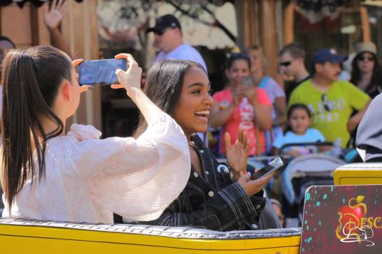 Disney_Descendants_Disneyland_Pre_Parade-32