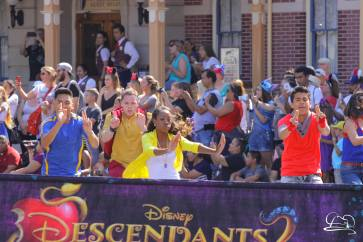 Disney_Descendants_Disneyland_Pre_Parade-4