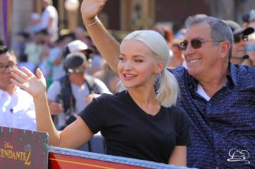 Disney_Descendants_Disneyland_Pre_Parade-53