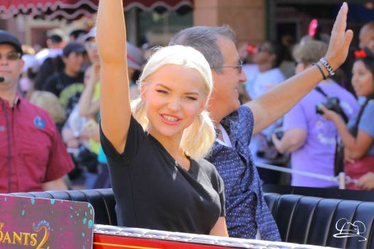 Disney_Descendants_Disneyland_Pre_Parade-58
