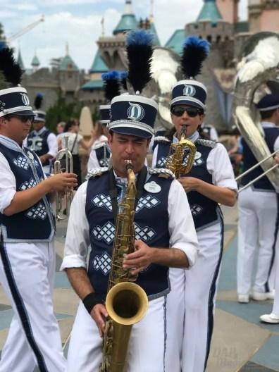 DisneylandBand 2