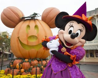 MINNIE MOUSE CELEBRATES HALLOWEEN TIME (ANAHEIM, Calif.) –– During Halloween Time, Disneyland park guests will encounter beloved characters dressed in fun seasonal costumes, including Minnie Mouse. The Halloween season at the Disneyland Resort, which also features special attractions and entertainment, runs from Sept. 15 through Oct. 31, 2017. (Scott Brinegar/Disneyland Resort)