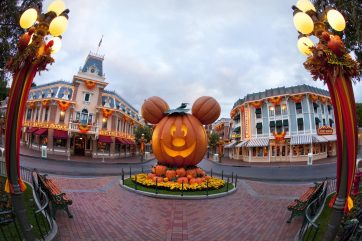 HALLOWEEN TIME AT THE DISNEYLAND RESORT (ANAHEIM, Calif.) – A Mickey Mouse-inspired jack-o'-lantern on Main Street, U.S.A., celebrates the spirit of the Halloween season at Disneyland Park. Halloween Time at the Disneyland Resort returns from Sept. 15 through Oct. 31, 2017 with spooky seasonal décor, themed food and beverage offerings and attractions that get a seasonal overlay for Halloween. New in 2017, guests will be able to celebrate with their favorite Radiator Springs residents in Cars Land, which is getting decked out for Haul-O-Ween. (Paul Hiffmeyer/Disneyland)