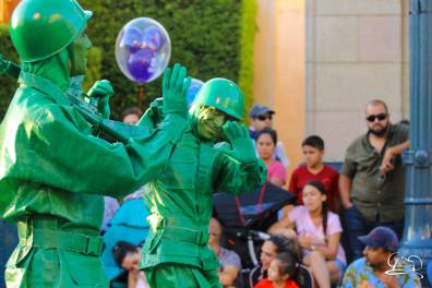 Final Pixar Play Parade-89