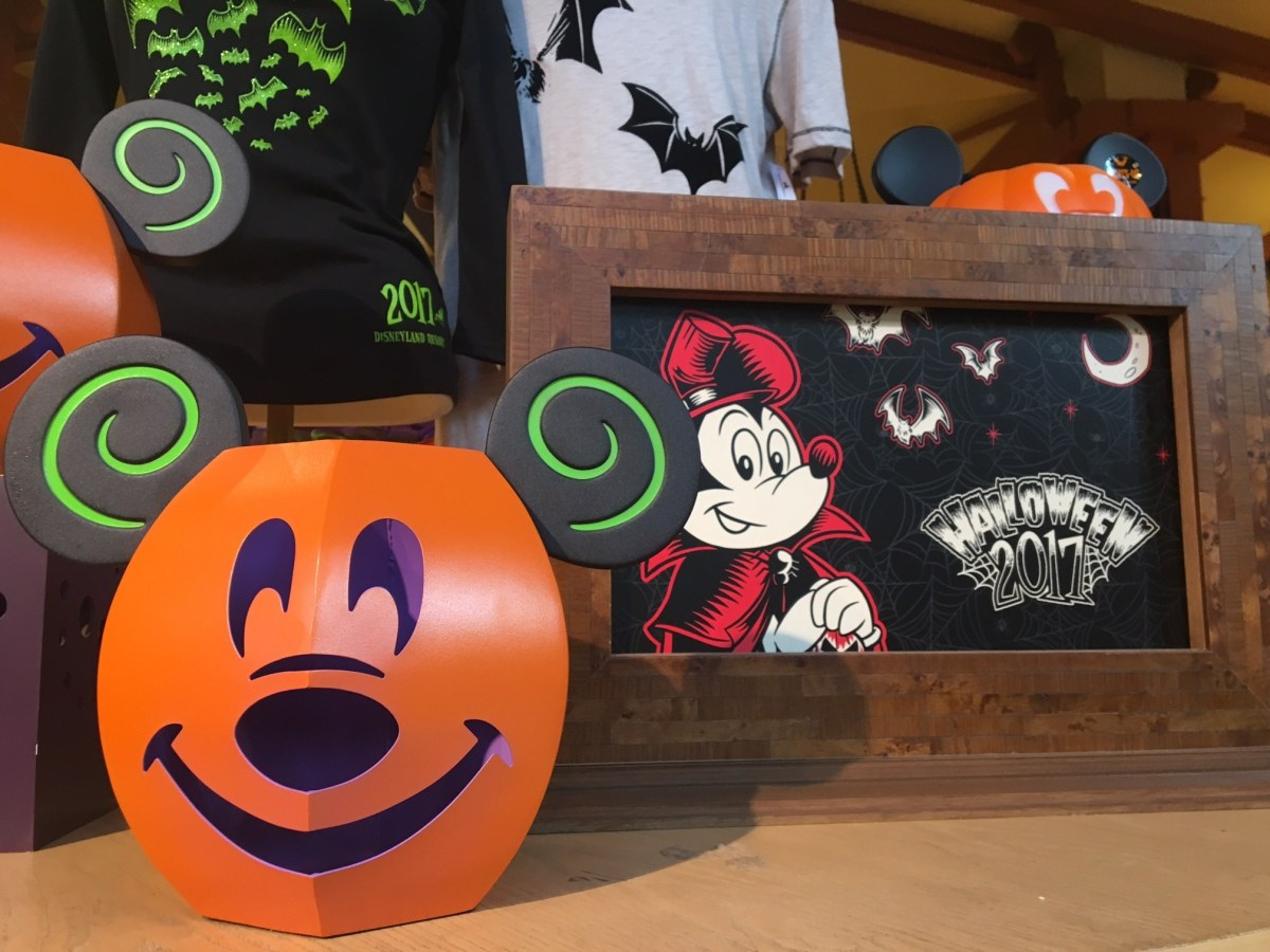 Caitlyn's Disney Merchandise Round-Up: This is Halloween