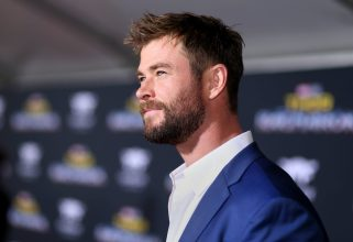 """HOLLYWOOD, CA - OCTOBER 10: Actor Chris Hemsworth at The World Premiere of Marvel Studios' """"Thor: Ragnarok"""" at the El Capitan Theatre on October 10, 2017 in Hollywood, California. (Photo by Rich Polk/Getty Images for Disney) *** Local Caption *** Chris Hemsworth"""
