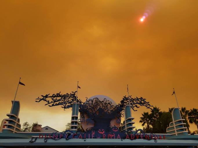 Anaheim Hills Fire Smoke over Disneyland Resort - Courtesy of @distinct_worlds on Instagram.