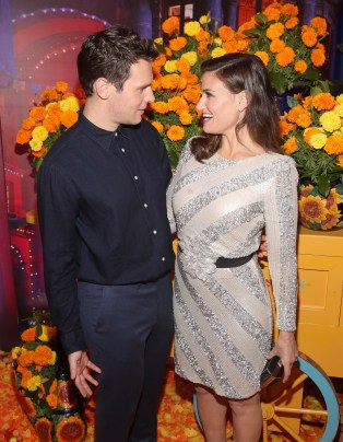 """HOLLYWOOD, CA - NOVEMBER 08: Actors Jonathan Groff (L) and Idina Menzel of """"Olafís Frozen Adventure"""" at the U.S. Premiere of Disney-Pixarís """"Coco"""" at the El Capitan Theatre on November 8, 2017, in Hollywood, California. """"Olafís Frozen Adventure"""" featurette opens in front of Disney-Pixarís original feature ìCocoî for a limited time. (Photo by Jesse Grant/Getty Images for Disney) *** Local Caption *** Jonathan Groff; Idina Menzel"""