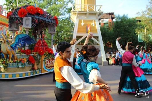 Princess Elena's Musical Grand Arrival - Festival of Holidays - Disneyland Resort