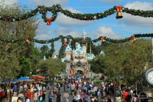 Disneyland - Sleeping Beauty Castle - Garland - Holiday Time