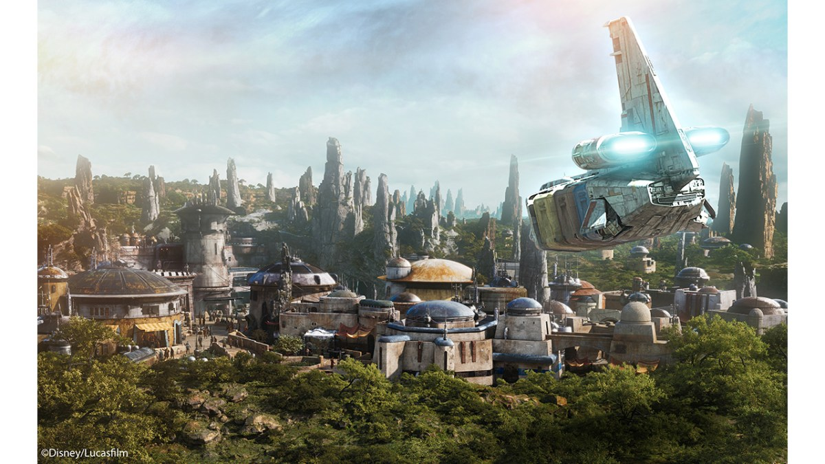 Star Tours Now Takes Guests to Star Wars: Galaxy's Edge Planet